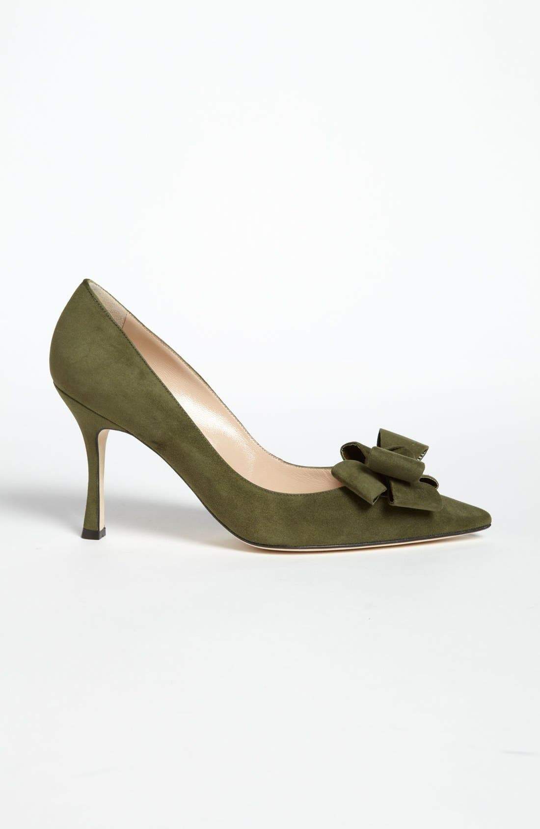 Alternate Image 4  - Manolo Blahnik Bow Pump
