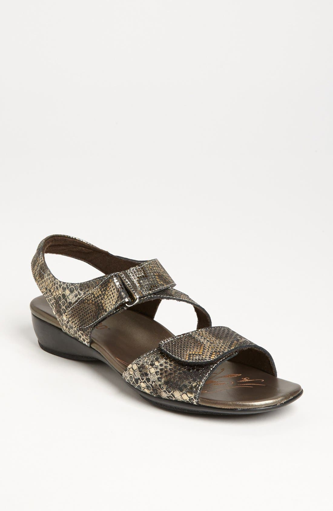 Alternate Image 1 Selected - Munro 'Brenna' Sandal