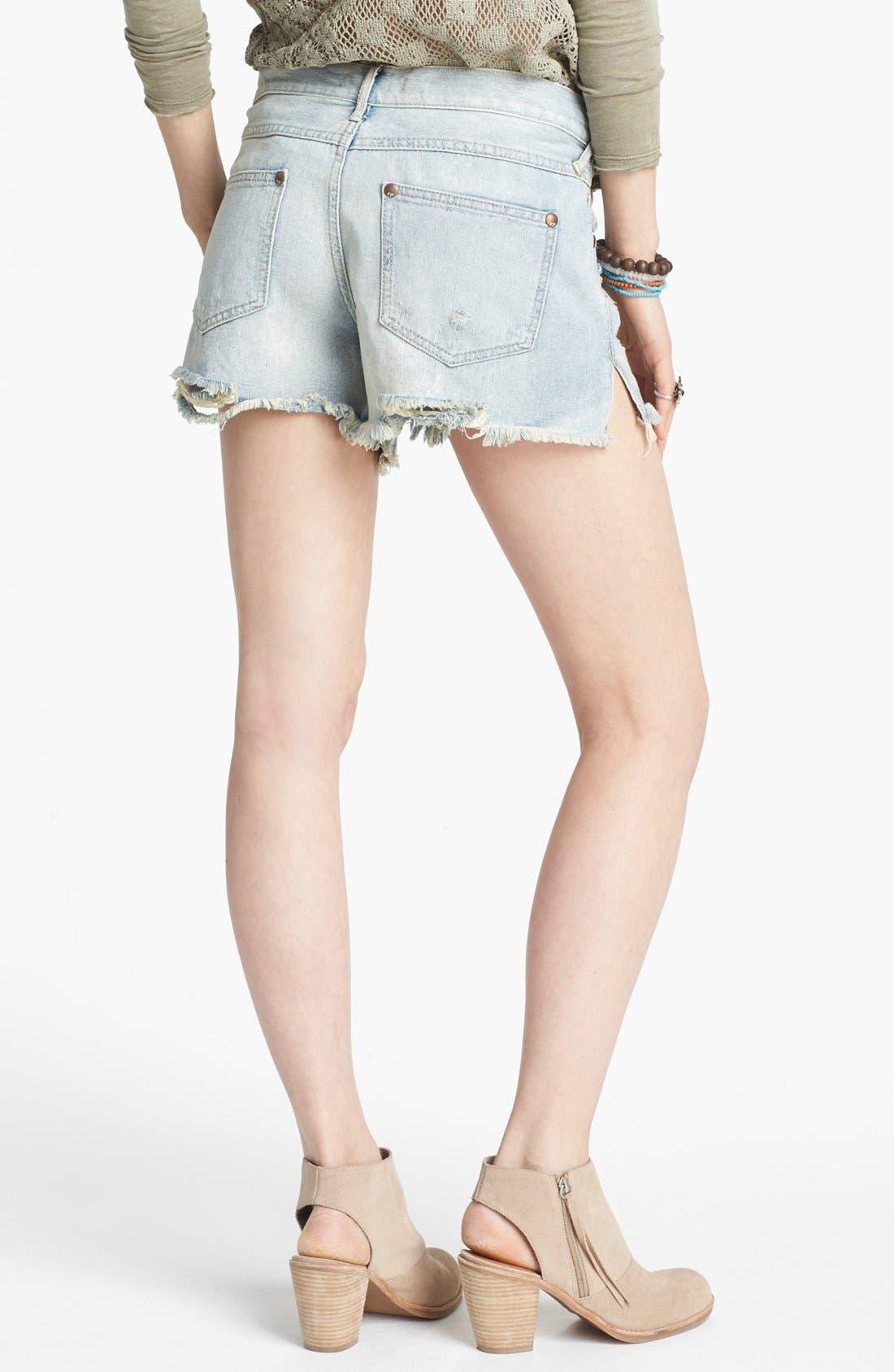 Alternate Image 2  - Free People Cutoff Denim Shorts (Lou Lou Blue)