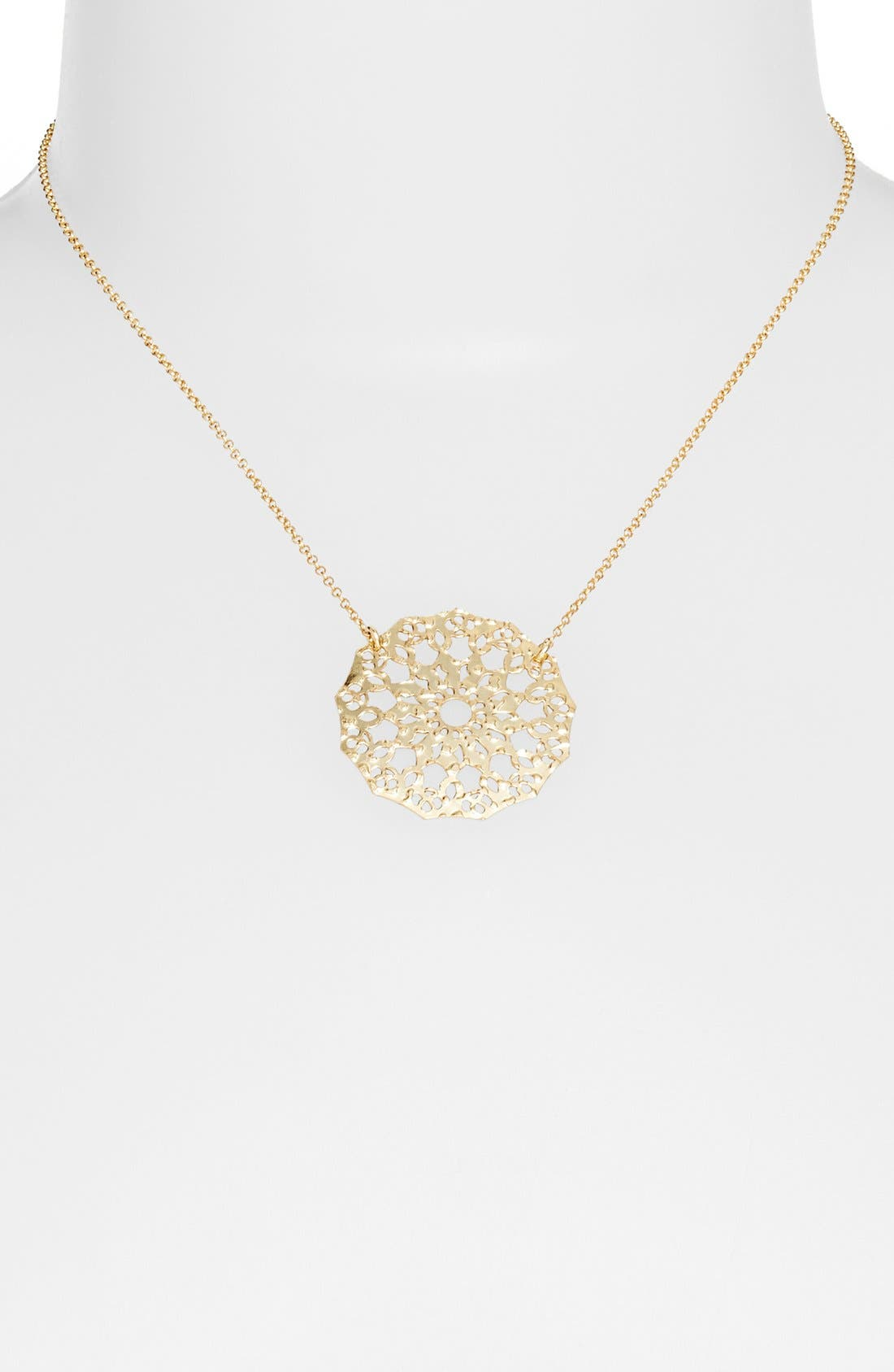 Alternate Image 1 Selected - Argento Vivo Laser Cut Circle Necklace (Online Only)