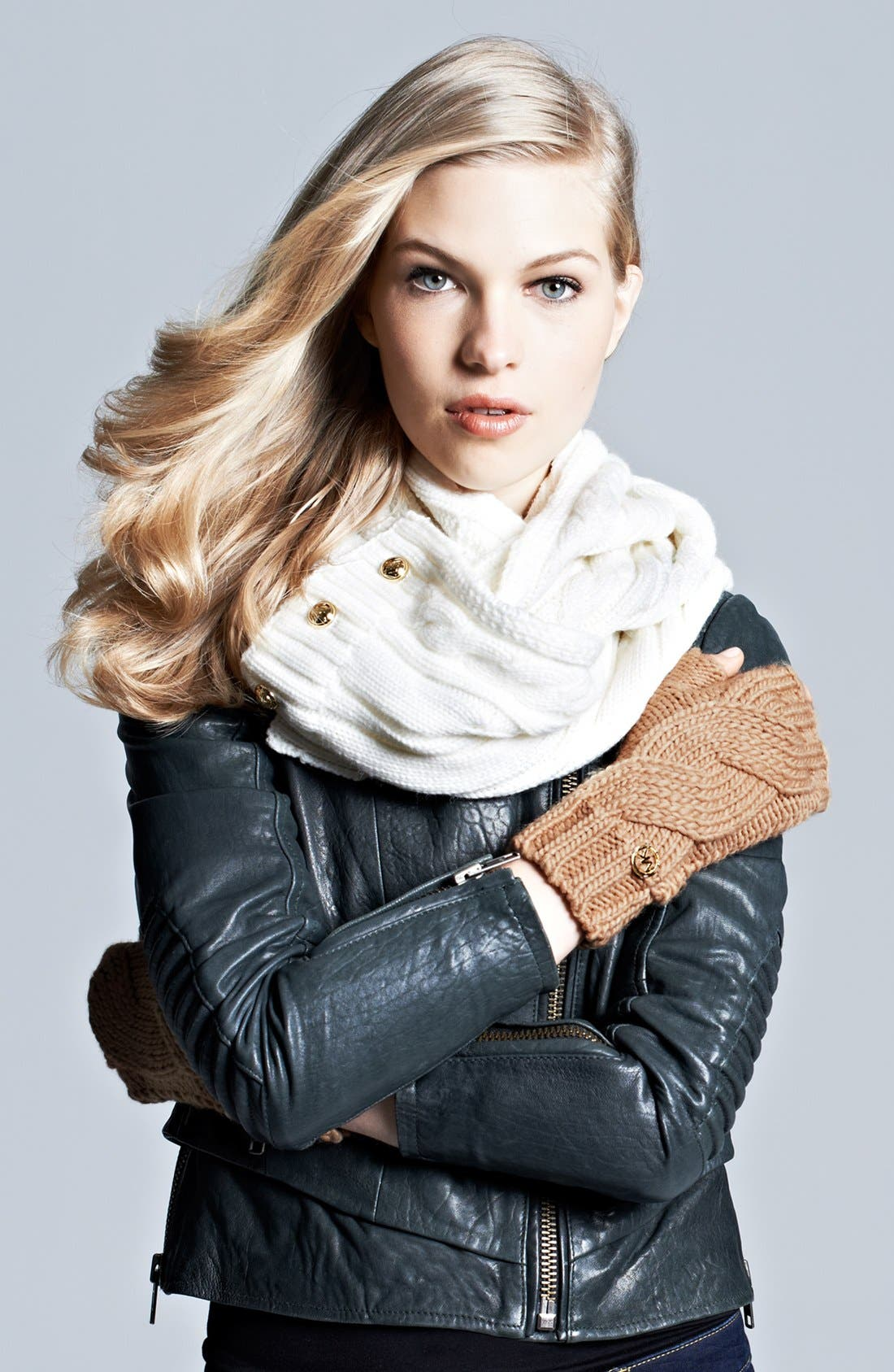 Alternate Image 4  - MICHAEL Michael Kors Cable Knit Arm Warmers