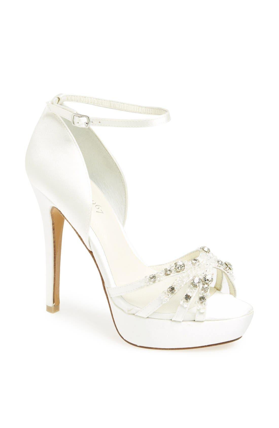 Main Image - Menbur 'Andrea' Ankle Strap Sandal