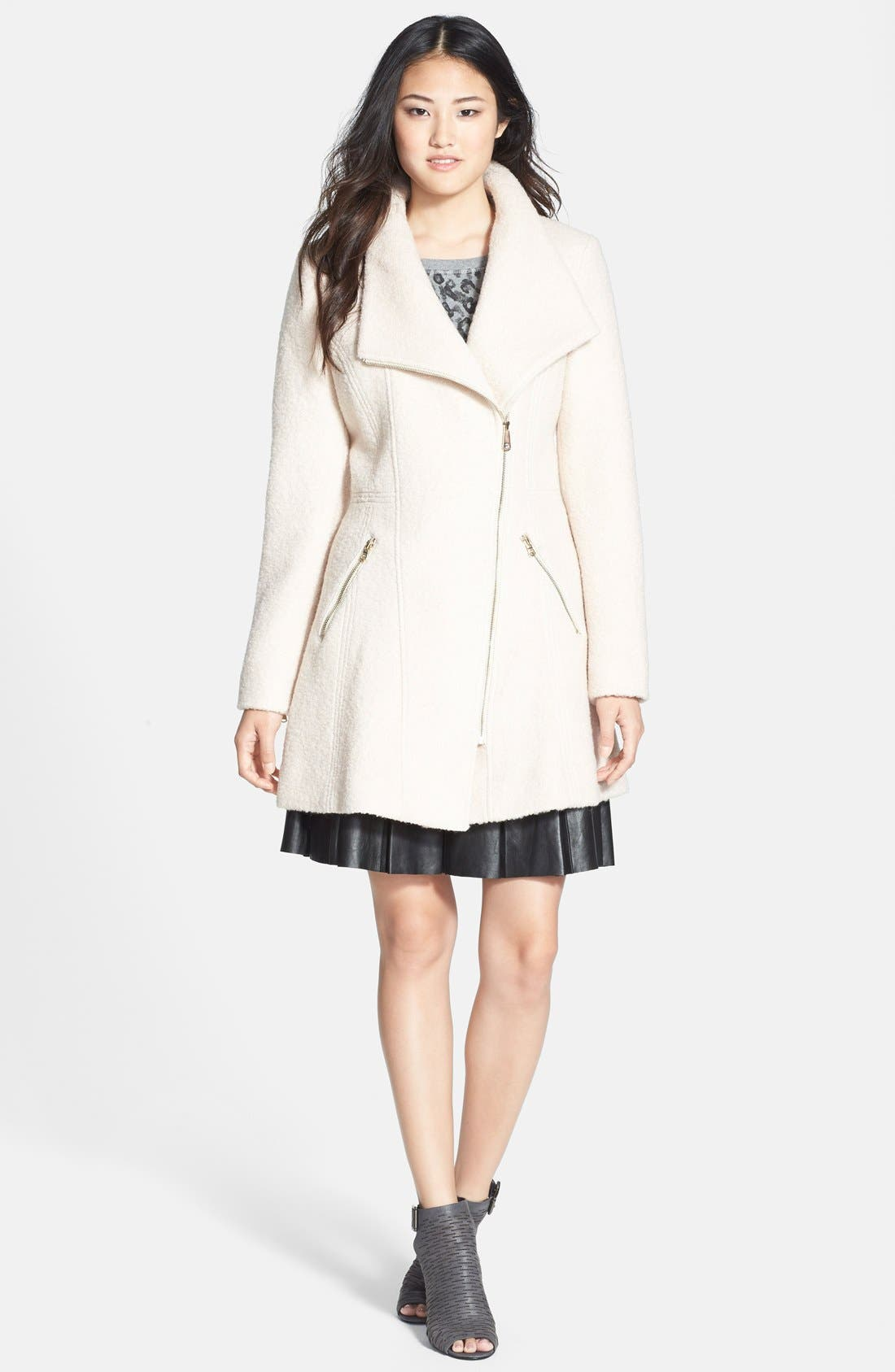 Alternate Image 3  - GUESS Asymmetrical Zip Bouclé Coat