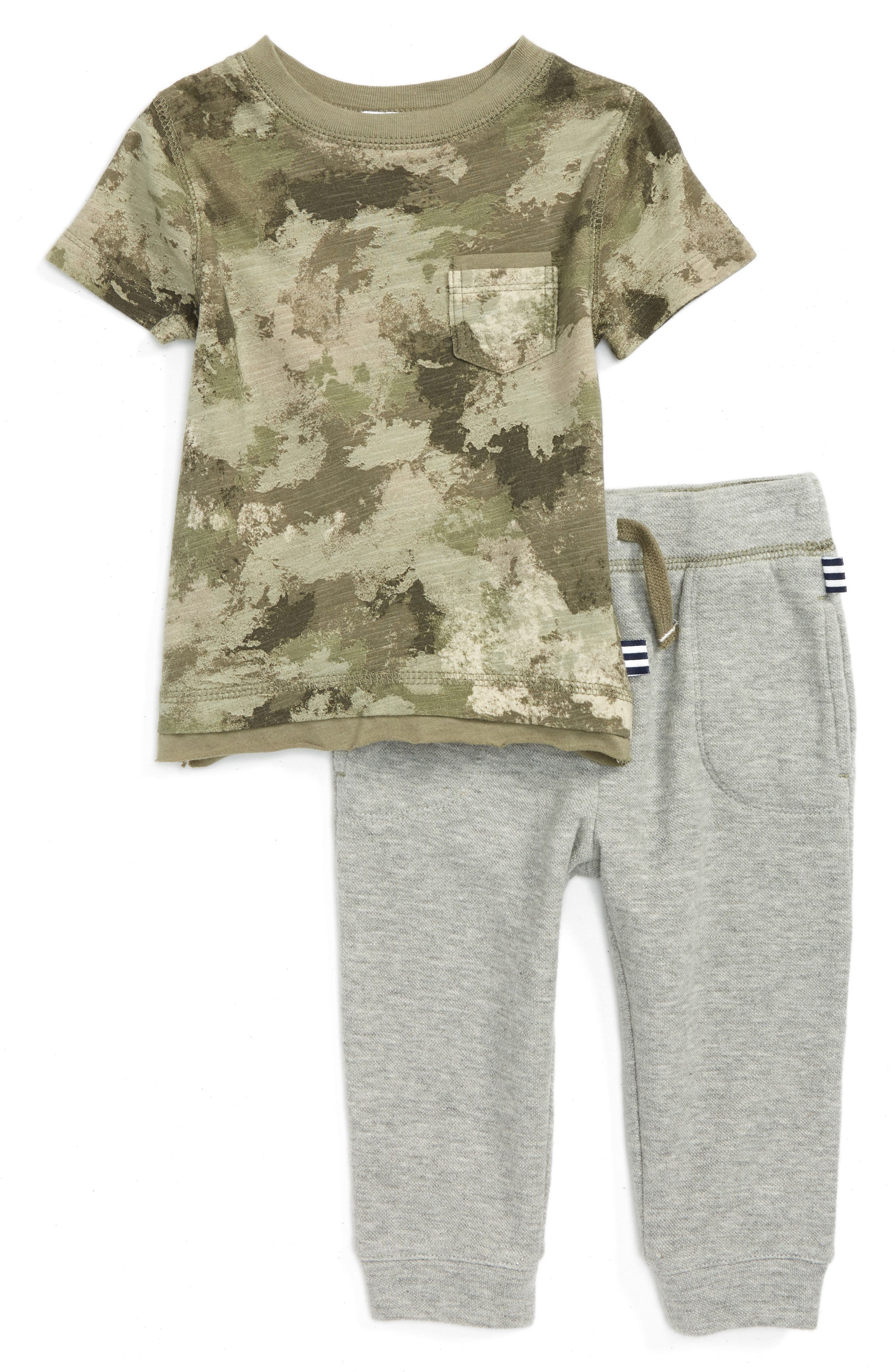 Splendid Camo T-Shirt & Sweatpants Set (Baby Boys)