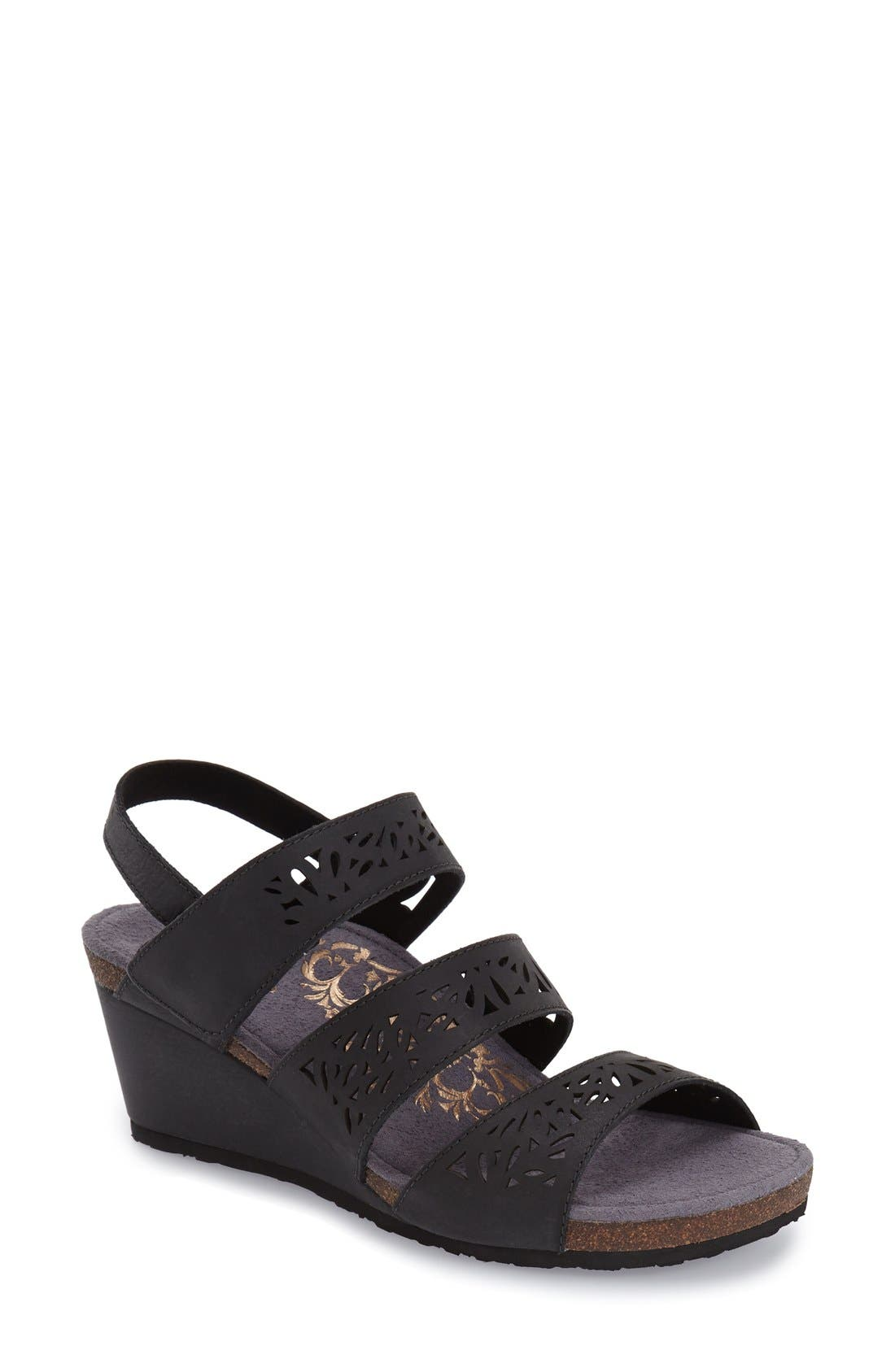 Aetrex 'Lexi' Wedge Sandal (Women)