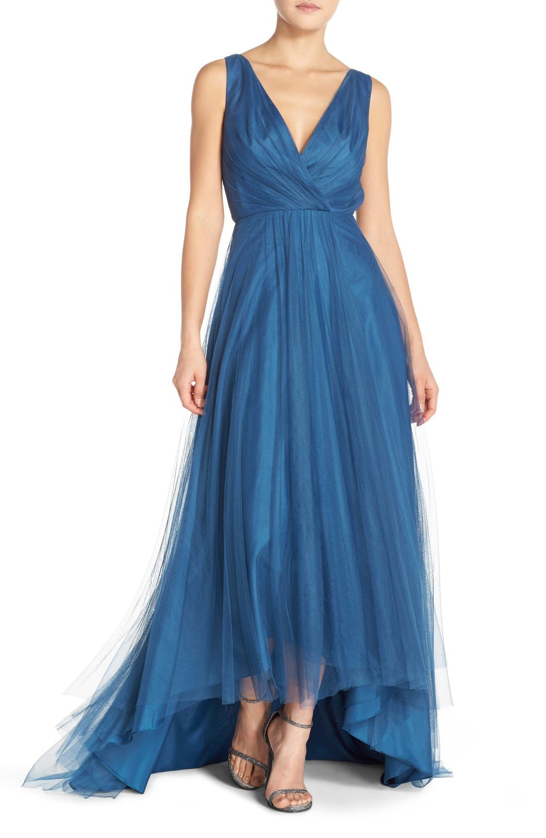 Main Image - Monique Lhuillier Bridesmaids Pleat Tulle V-Neck High/Low Gown