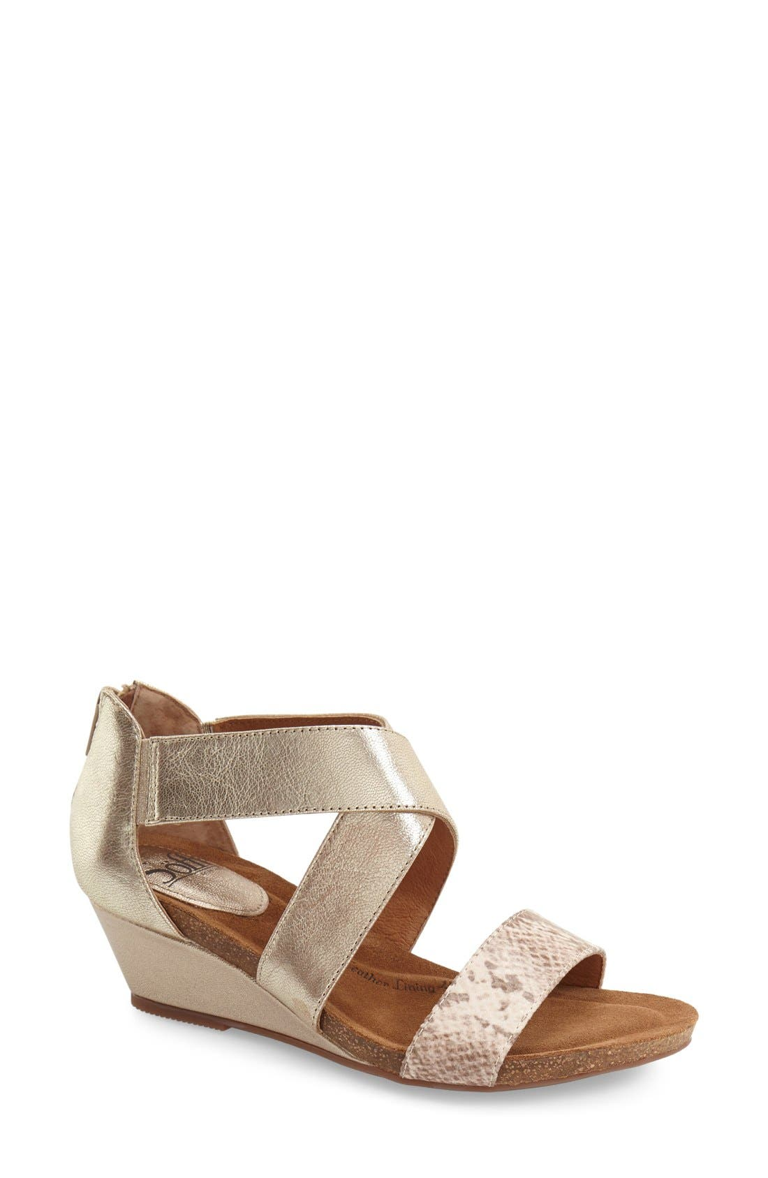 Söfft 'Vallar' Wedge Sandal (Women)