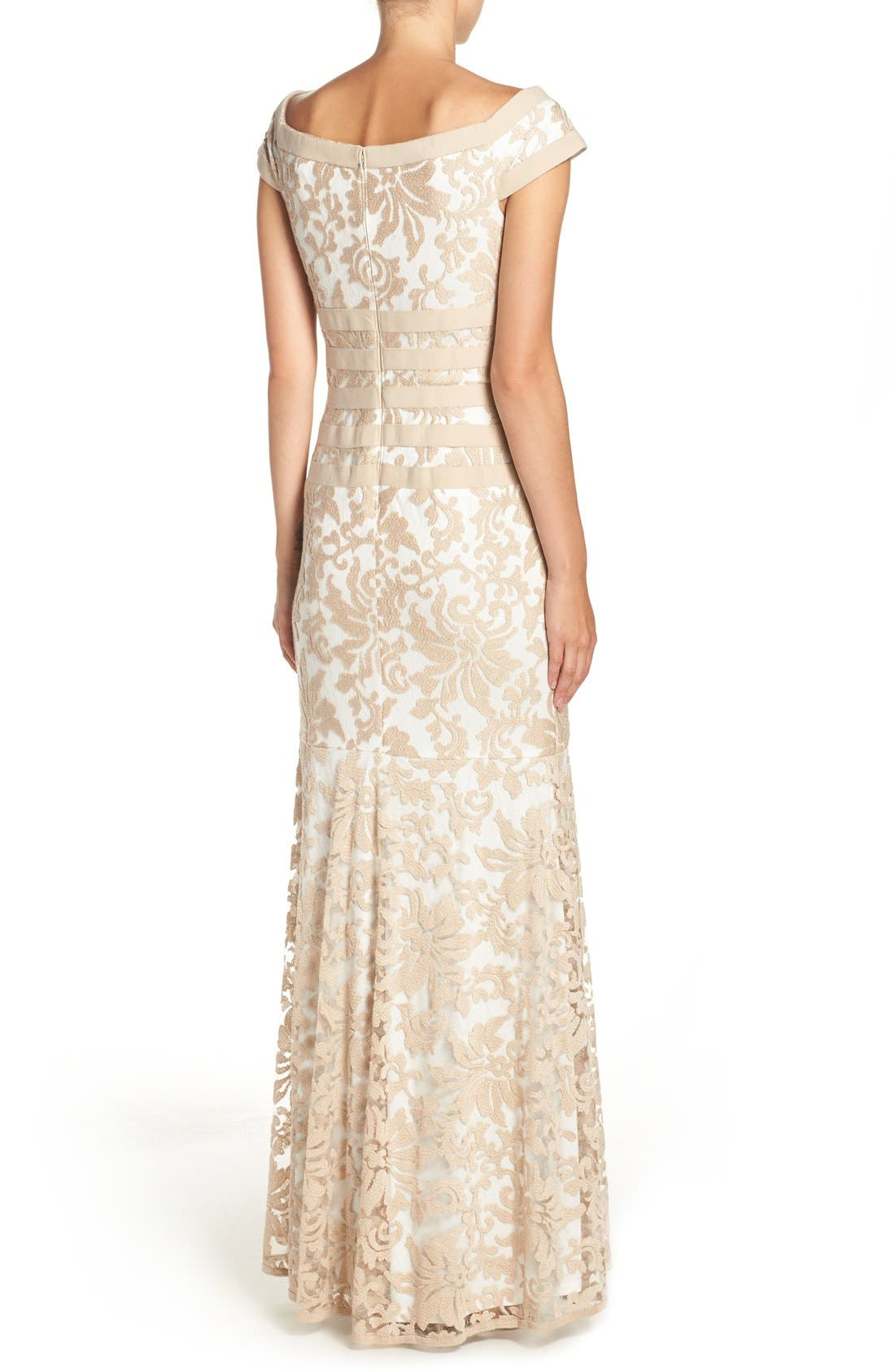 Alternate Image 2  - Tadashi Shoji Textured Lace Mermaid Gown (Regular & Petite)