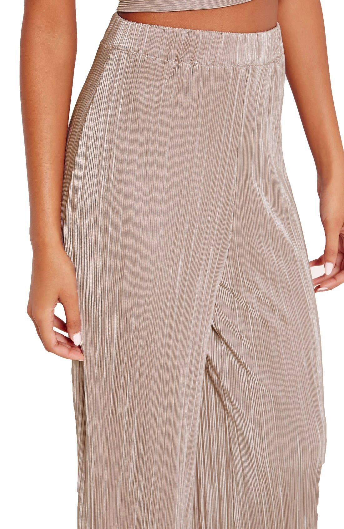 Alternate Image 4  - Missguided Wide Leg Pleat Trousers