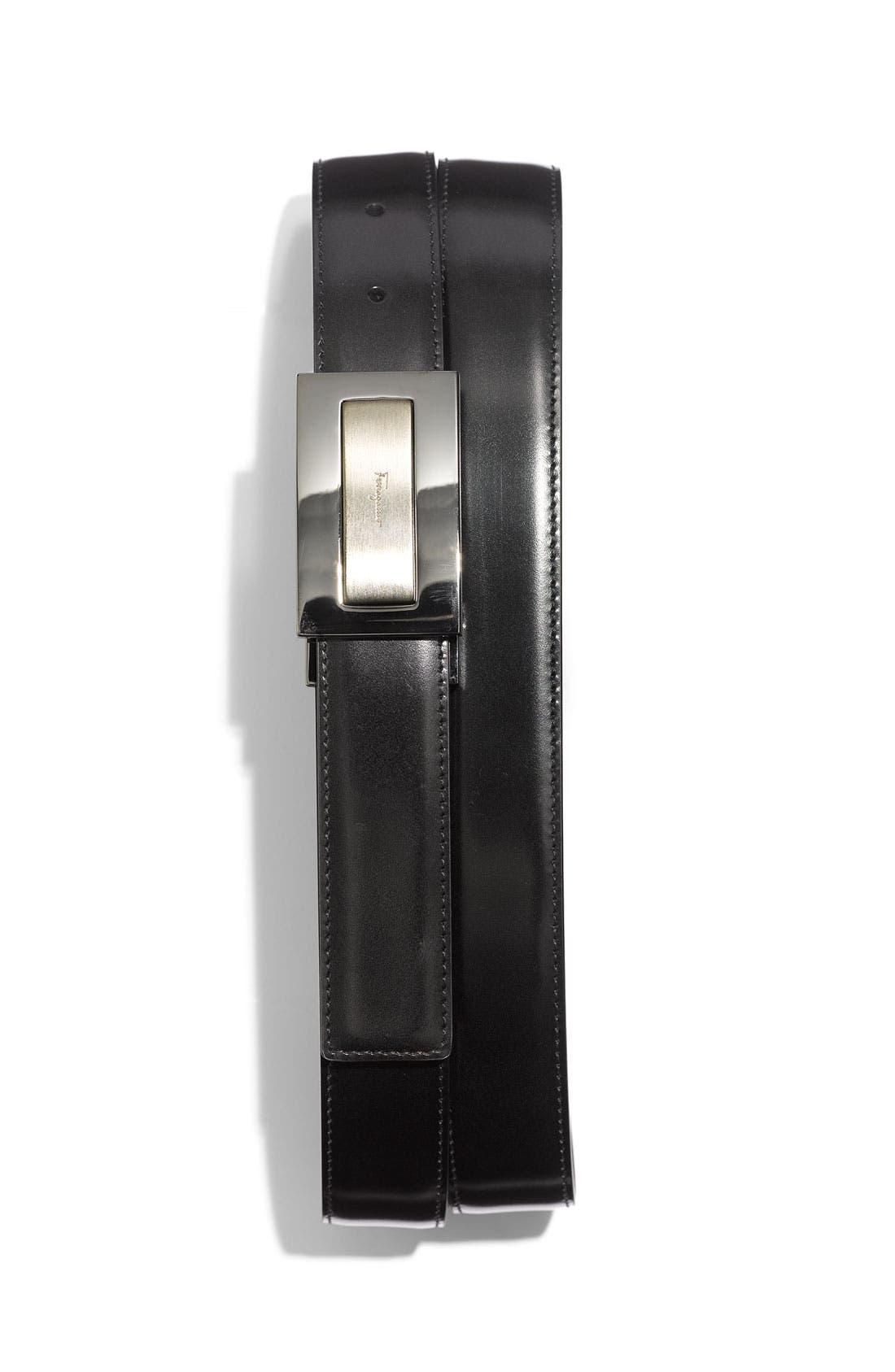 Main Image - Salvatore Ferragamo Plaque Buckle Reversible Leather Belt