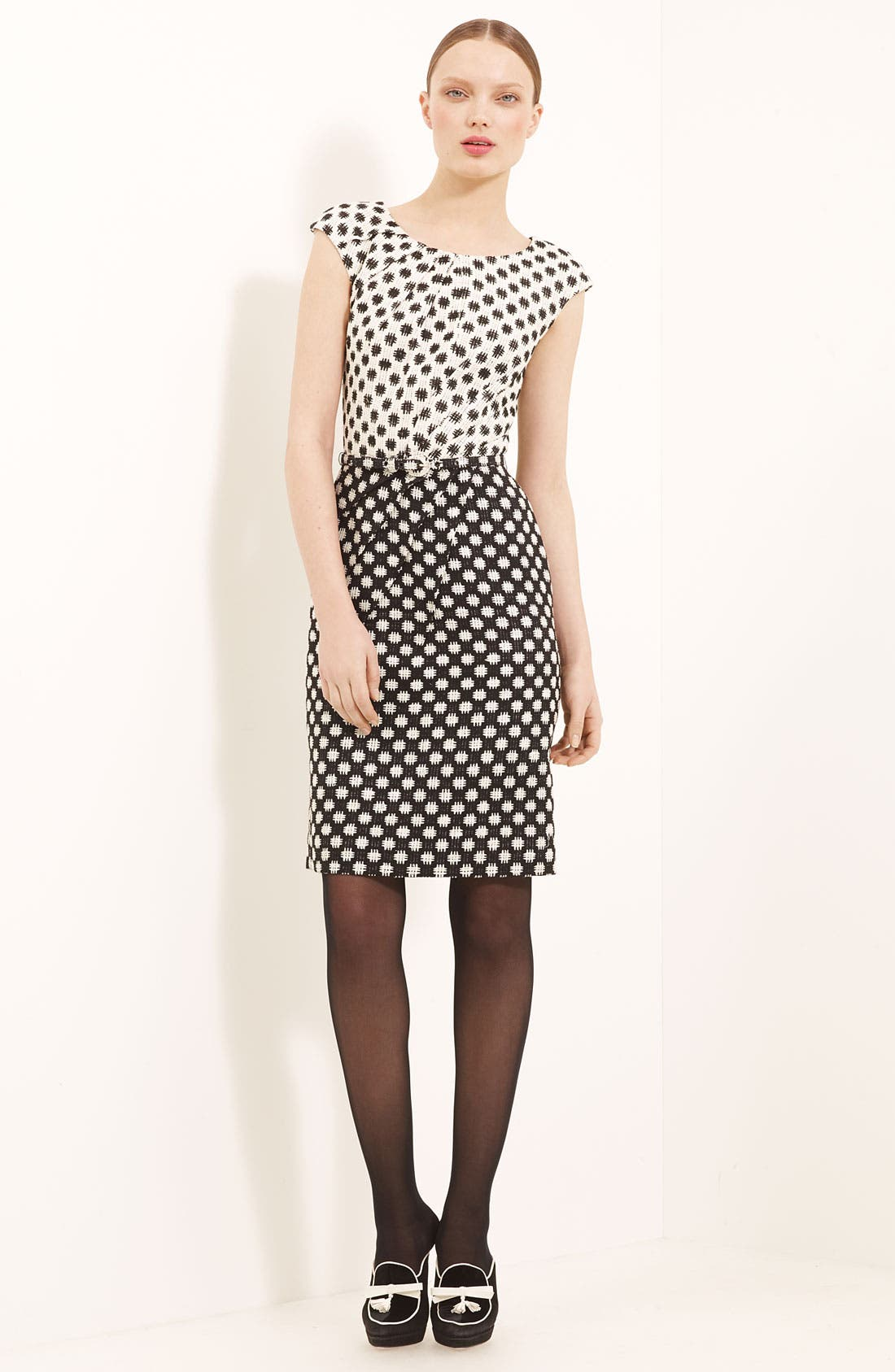 Main Image - Oscar de la Renta Belted Silk Tweed Dress