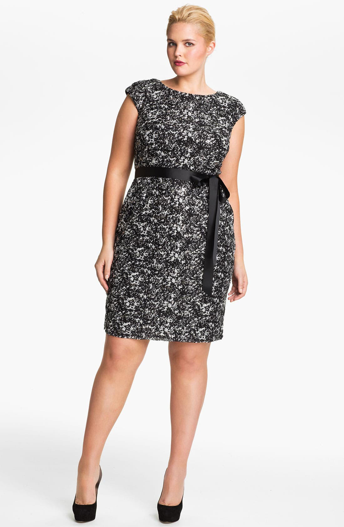 Alternate Image 1 Selected - Alex Evenings Cap Sleeve Lace Sheath Dress (Plus)