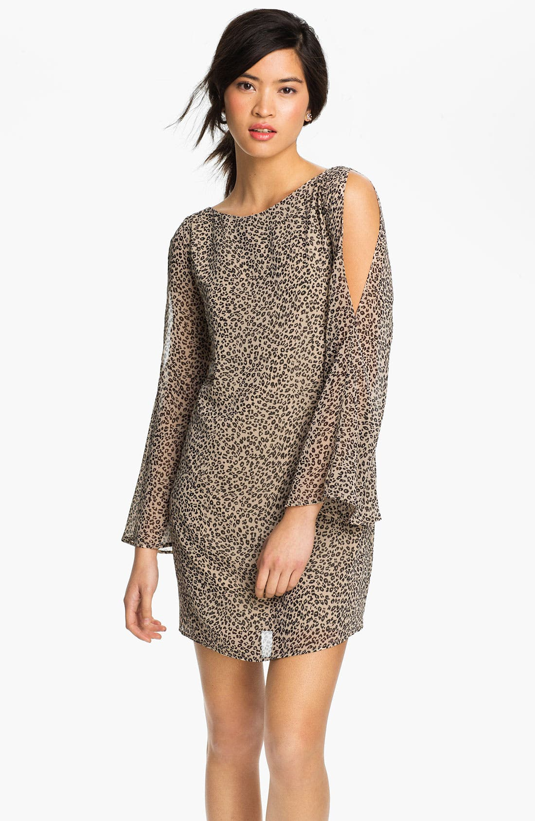 Main Image - Lush Split Sleeve Chiffon Shift Dress (Juniors)