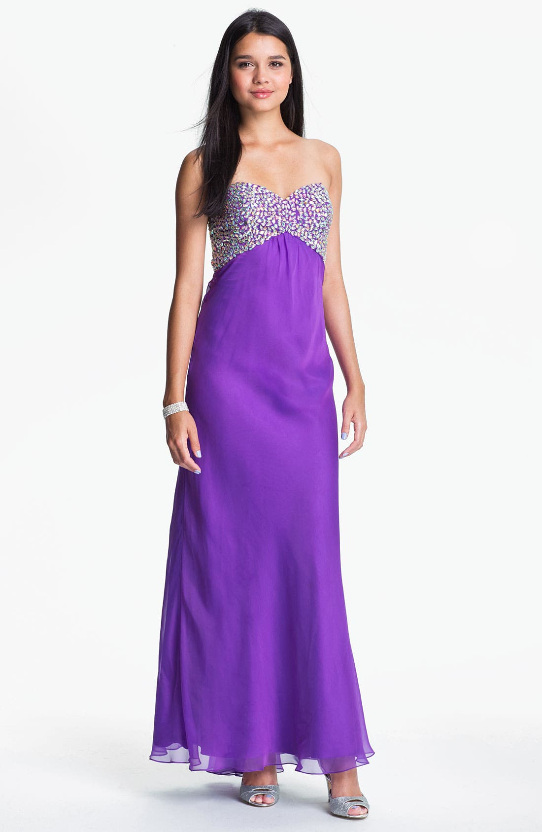 Main Image - Faviana Embellished Strapless Chiffon Gown (Online Only)