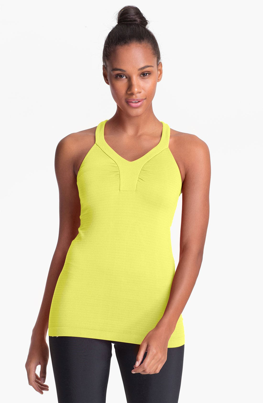 Main Image - Under Armour 'Perfectly Seamless' Tank