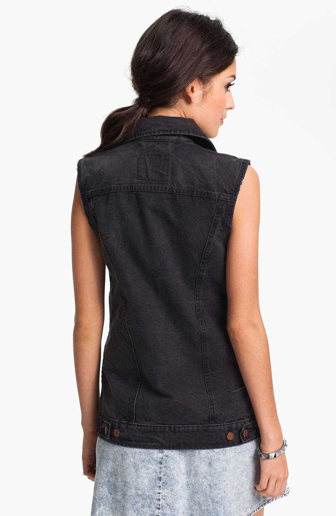 Alternate Image 2  - Levi's® Cutoff Denim Vest