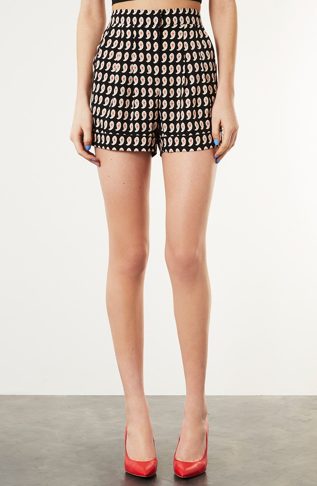 Alternate Image 1 Selected - Topshop Paisley Print Pleated Shorts