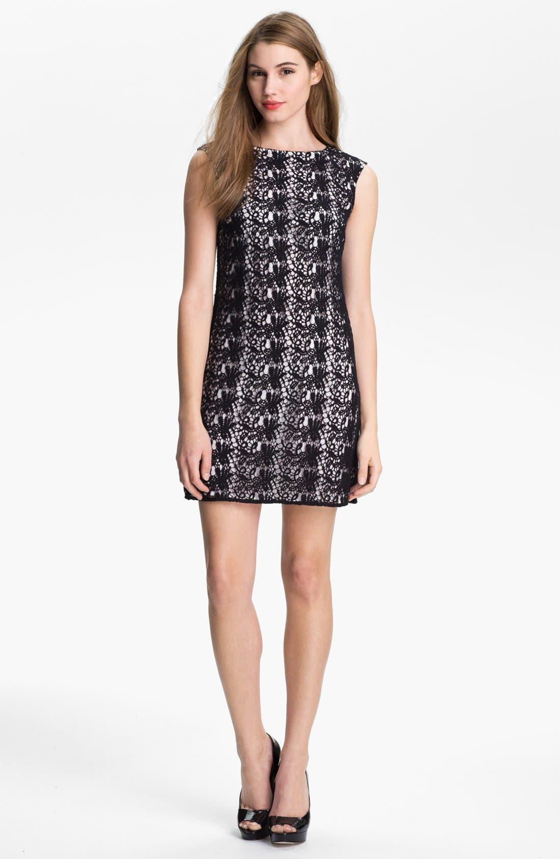 Main Image - Vince Camuto Paisley Lace Shift Dress (Petite)