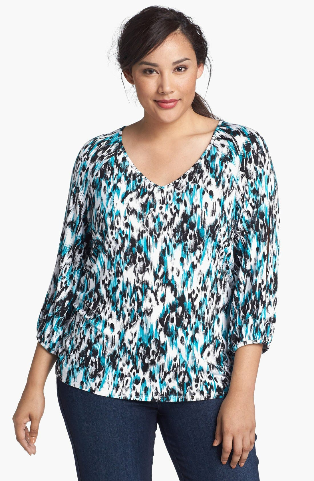 Alternate Image 1 Selected - Sejour 'Siro' Print V-Neck Top (Plus Size)