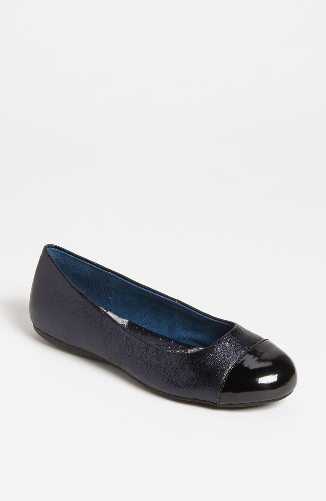 SoftWalk® 'Napa' Flat (Women)