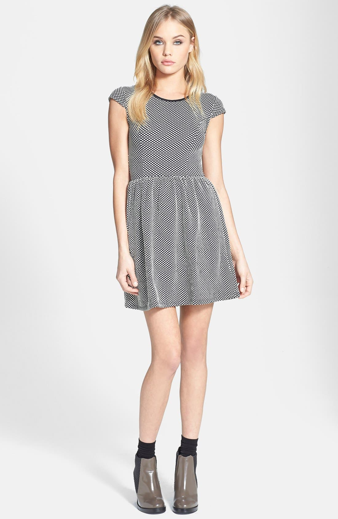 Main Image - Topshop Jacquard Dot Skater Dress