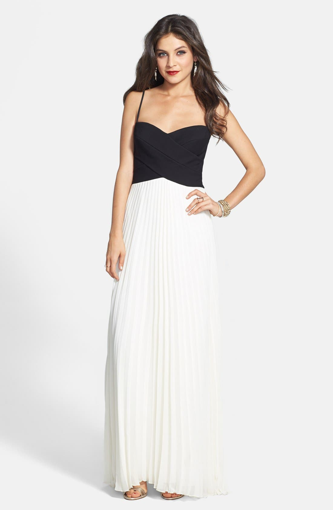 Main Image - Laundry by Shelli Segal Two-Tone Cross Bodice Chiffon Gown