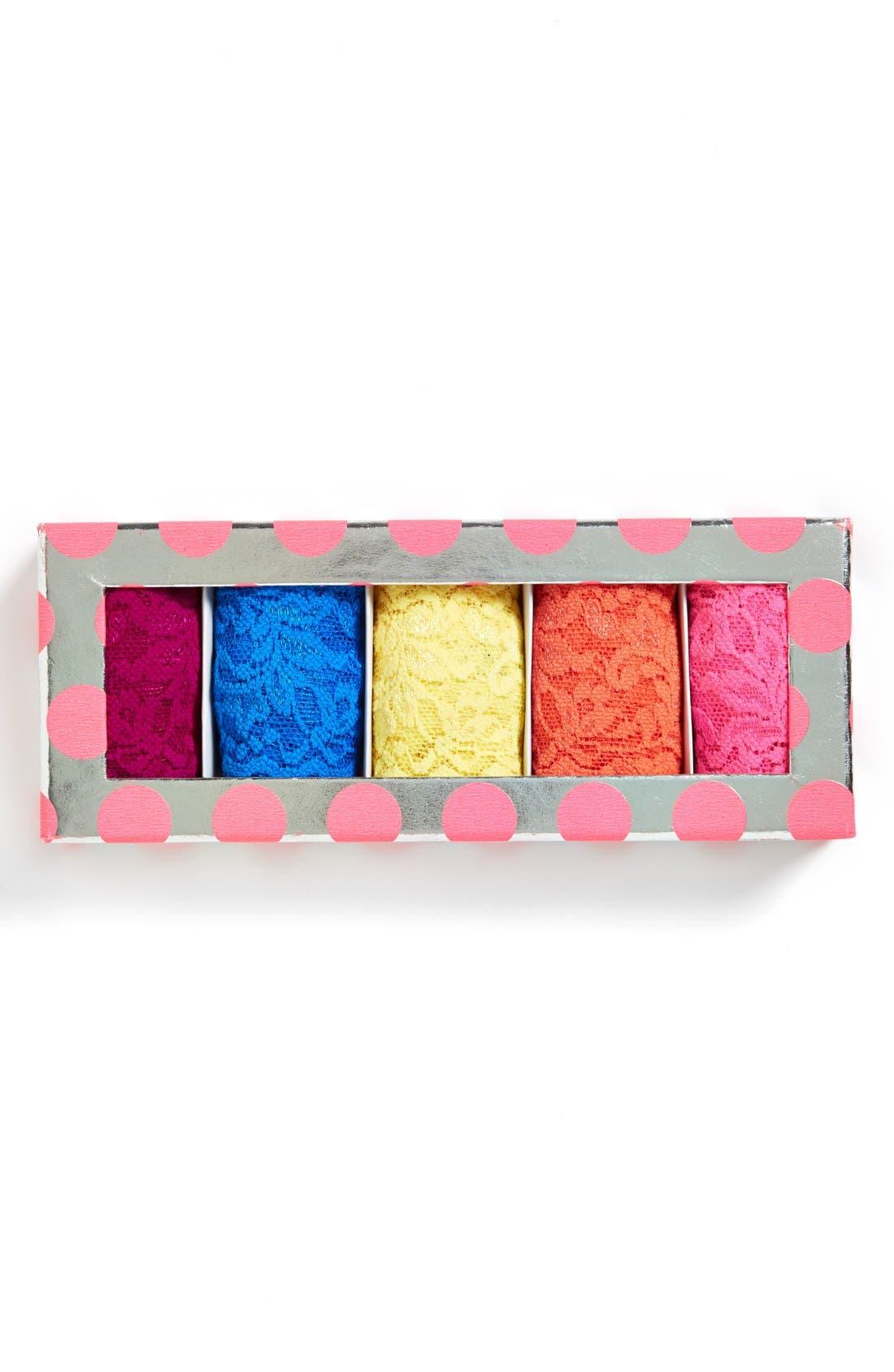 Main Image - Hanky Panky 'Signature Lace' Boxed Original Rise Thongs (5-Pack)