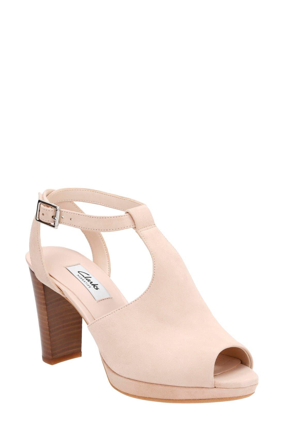 CLARKS® Kendra Charm Sandal