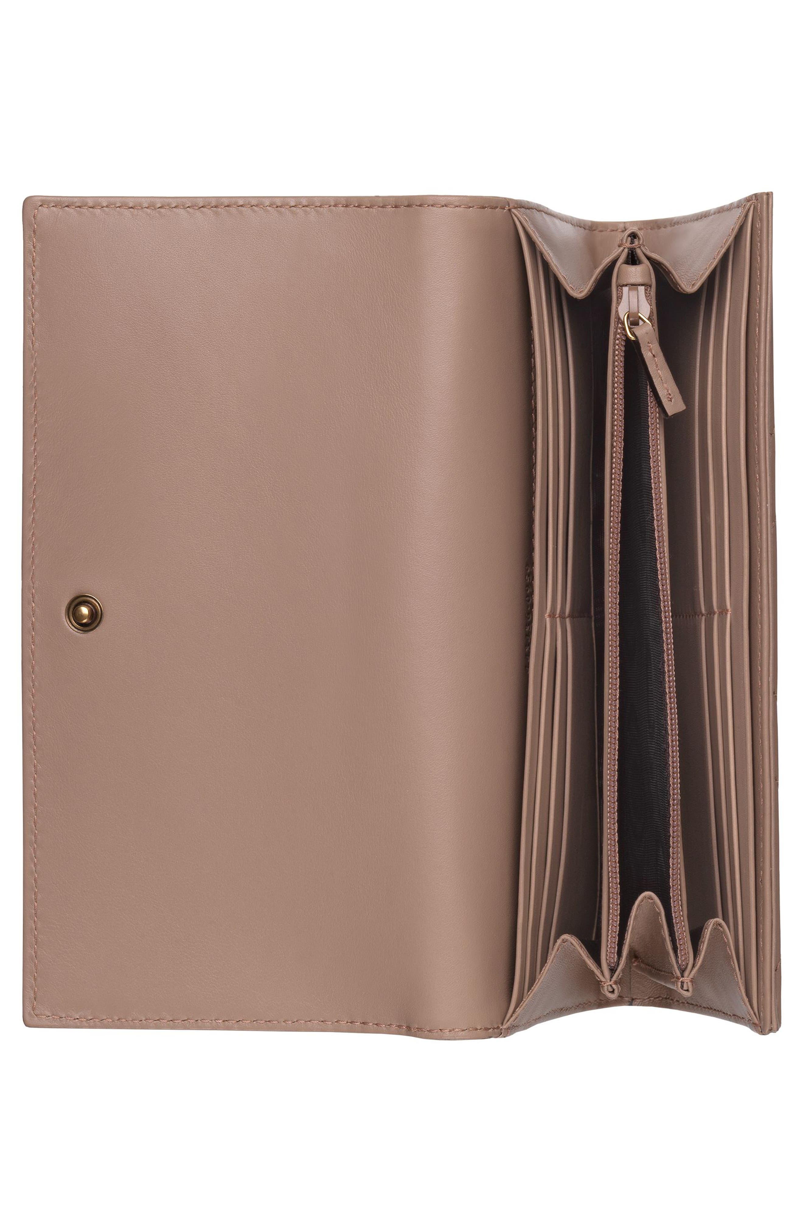Alternate Image 2  - Gucci GG Marmont Matelassé Leather Continental Wallet