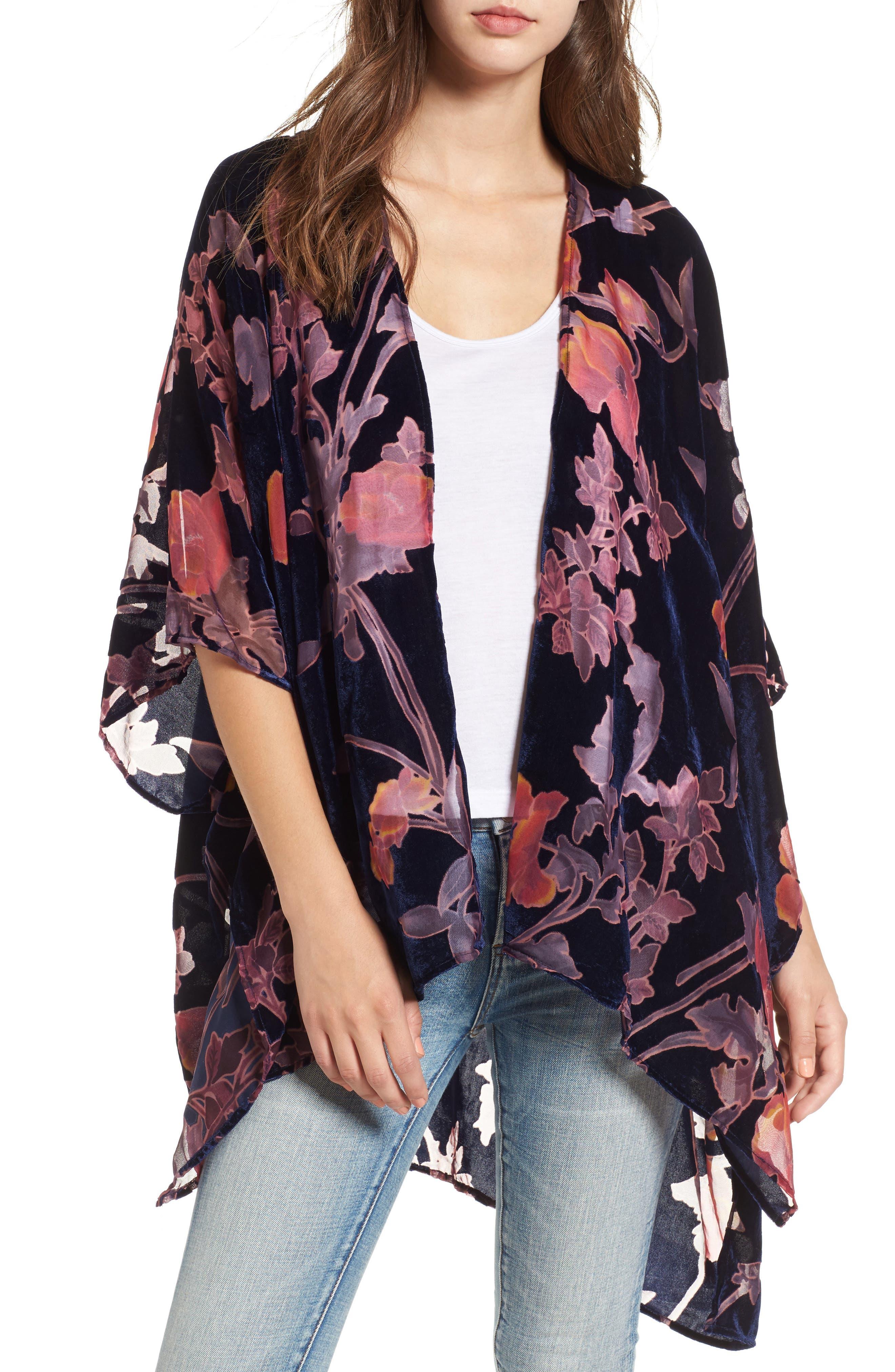 Woven Heart Burnout Velvet Kimono