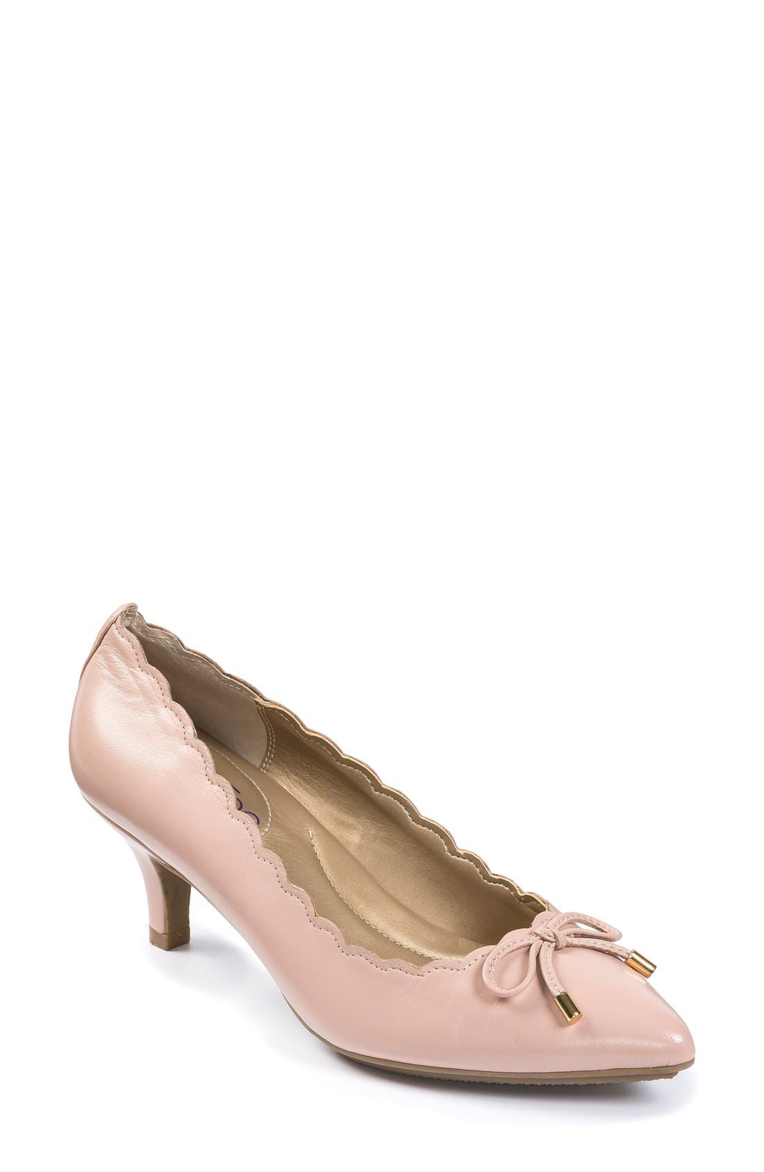 Me Too 'Caprice' Pump (Women)