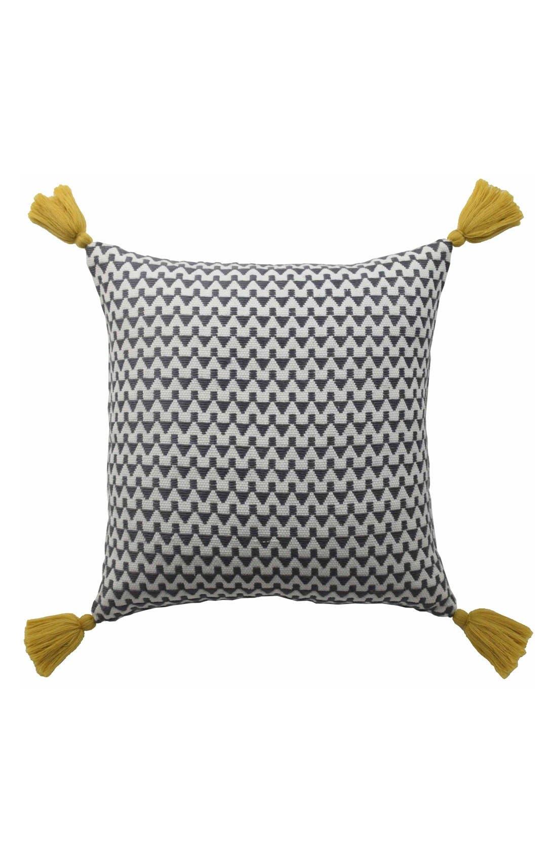 Blissliving Home 'Winnie' Pillow