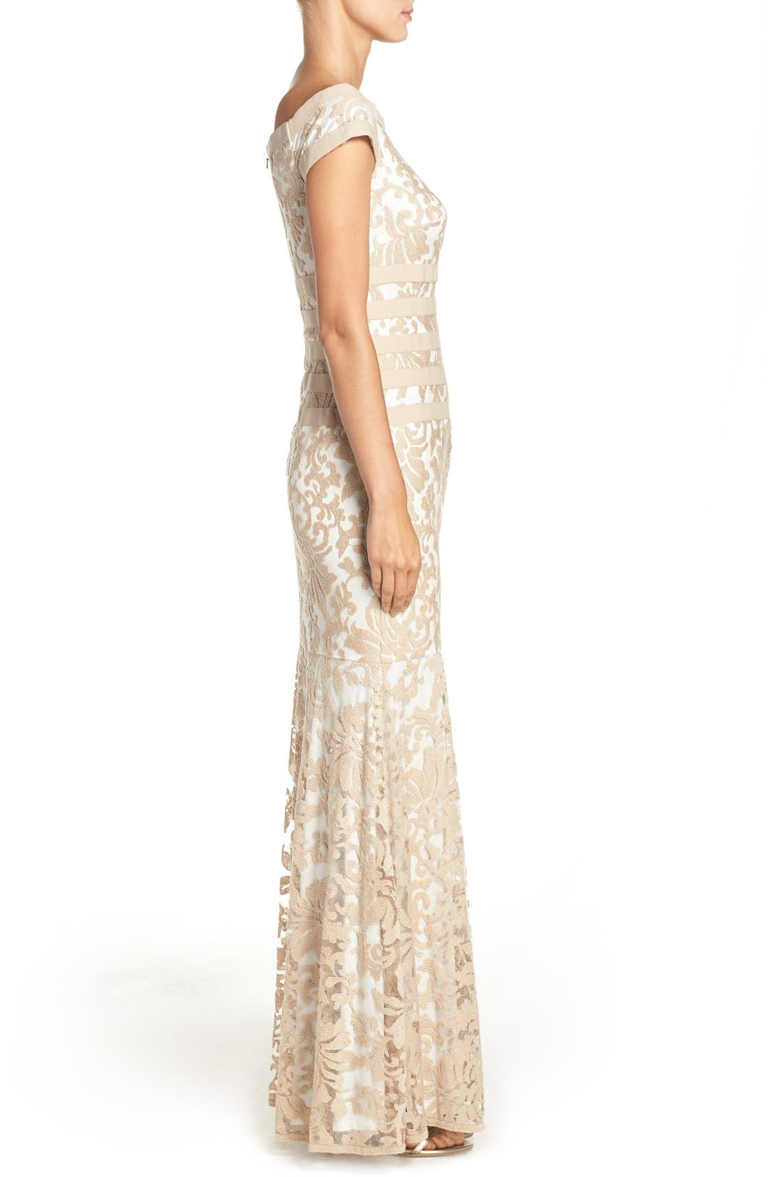 Alternate Image 3  - Tadashi Shoji Textured Lace Mermaid Gown (Regular & Petite)