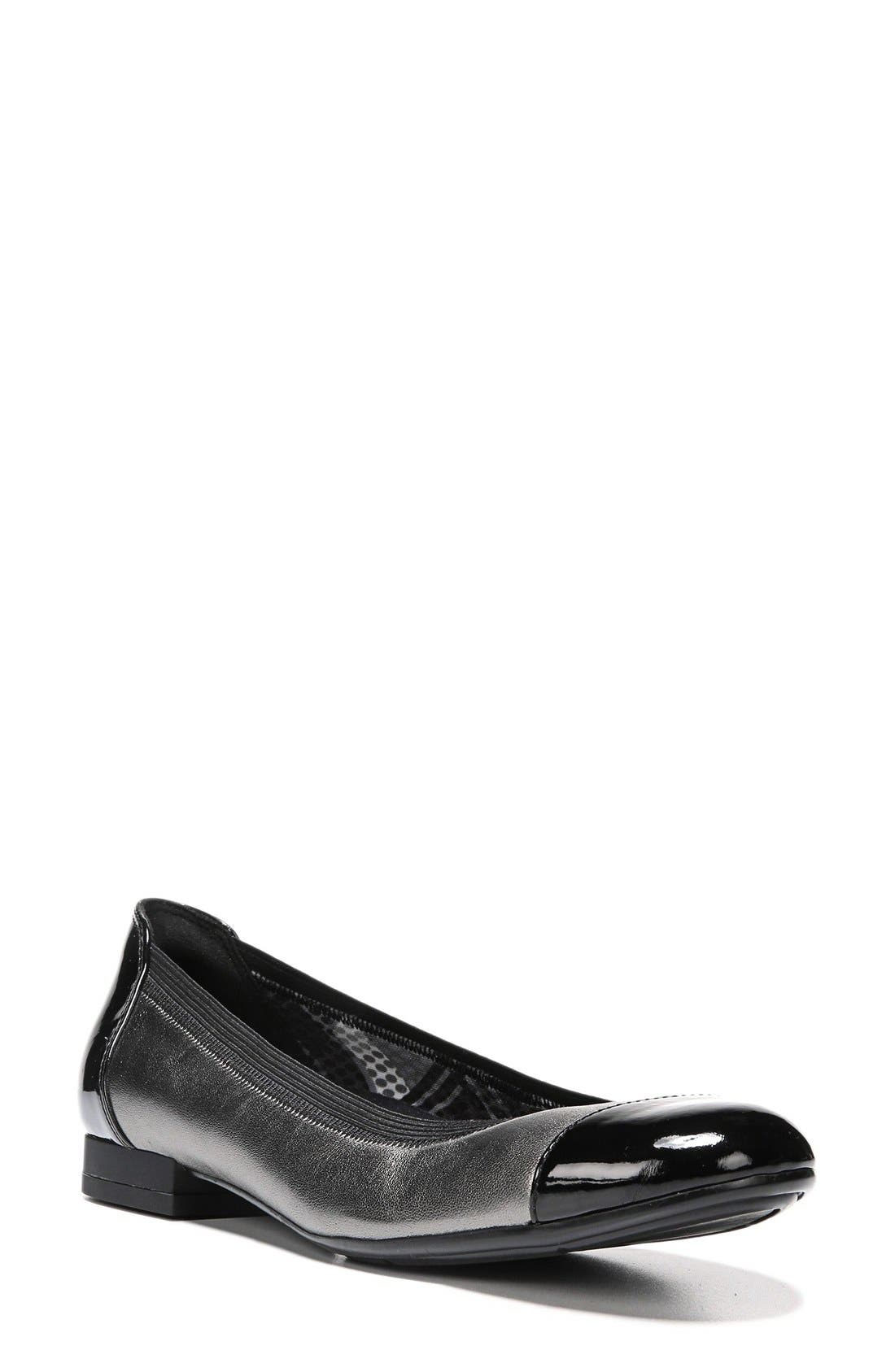 NATURALIZER 'Therese' Cap Toe Flat