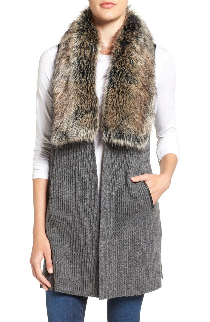 DetailsA knit vest with luxe faux fur trim, a hook-and-eye front closure, and swing silhouette.- This is an independent brand and not a Forever 21 branded downiloadojg.gqt + Care- 80% acrylic, 20% polyester- Hand wash coldSize + Fit- Model is 5'9%22 and wearing a Small.