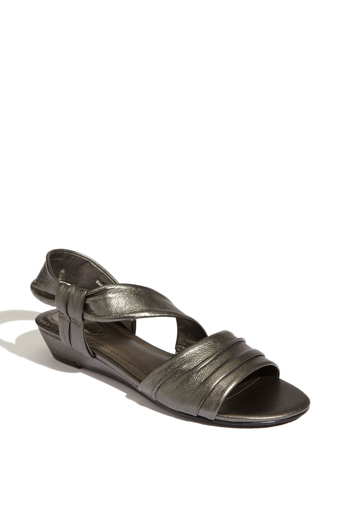 Alternate Image 1 Selected - Trotters 'Cindy' Sandal