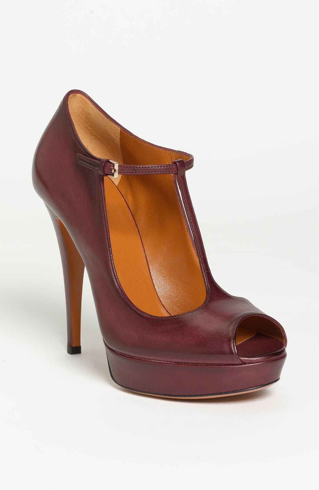 Main Image - Gucci 'Betty' Sandal