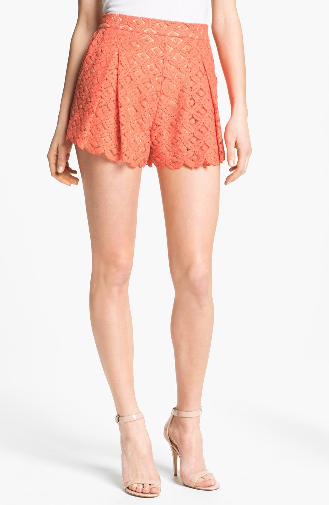 Main Image - Two by Vince Camuto Pleated Lace Shorts