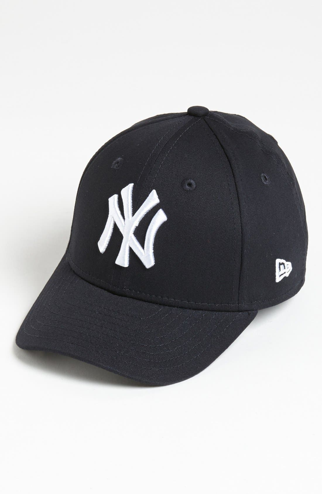 Alternate Image 1 Selected - New Era Cap 'New York Yankees - Tie Breaker' Baseball Cap (Big Boys)