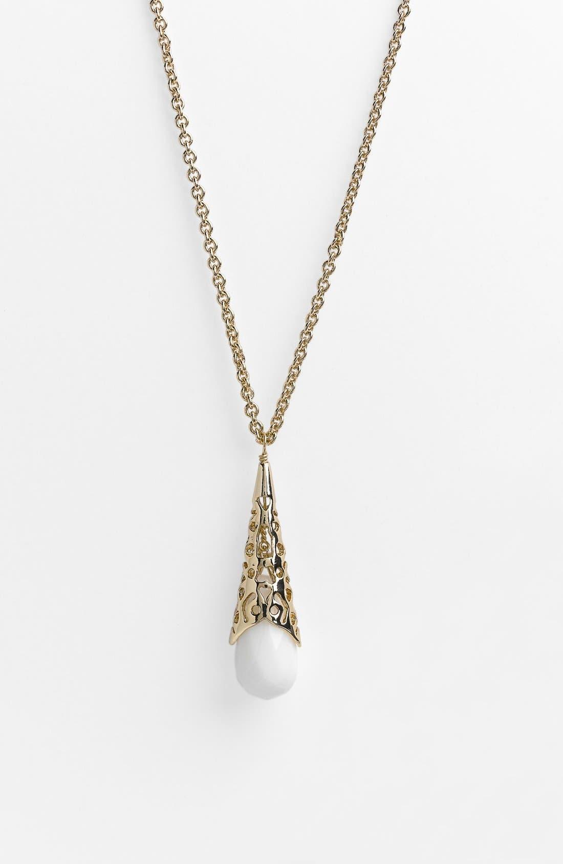 Alternate Image 1 Selected - Kendra Scott 'Priya' Pendant Necklace (Nordstrom Exclusive)
