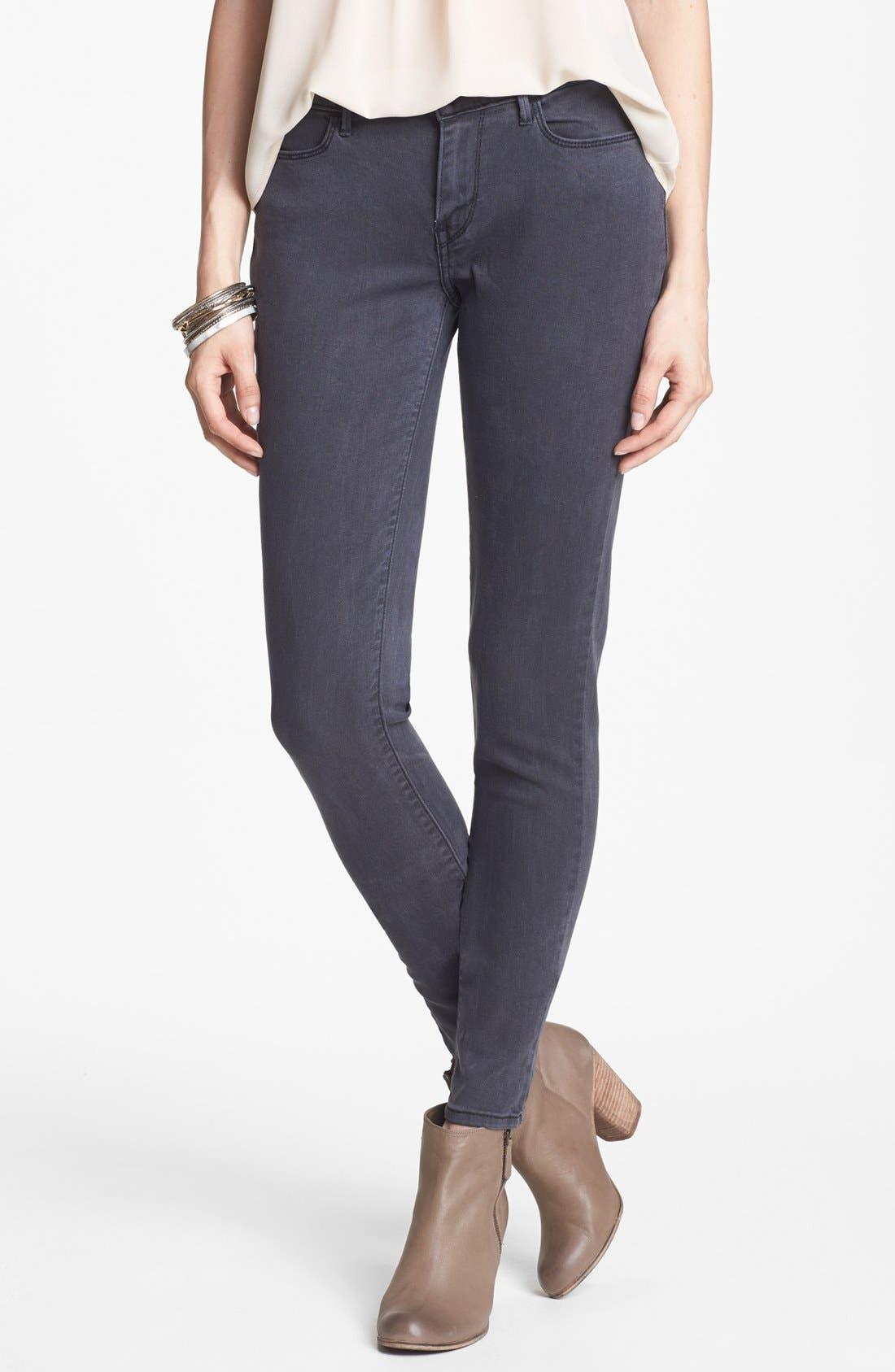 Alternate Image 1 Selected - Levi's® 'Core Better Legging' Skinny Jeans (Dark)