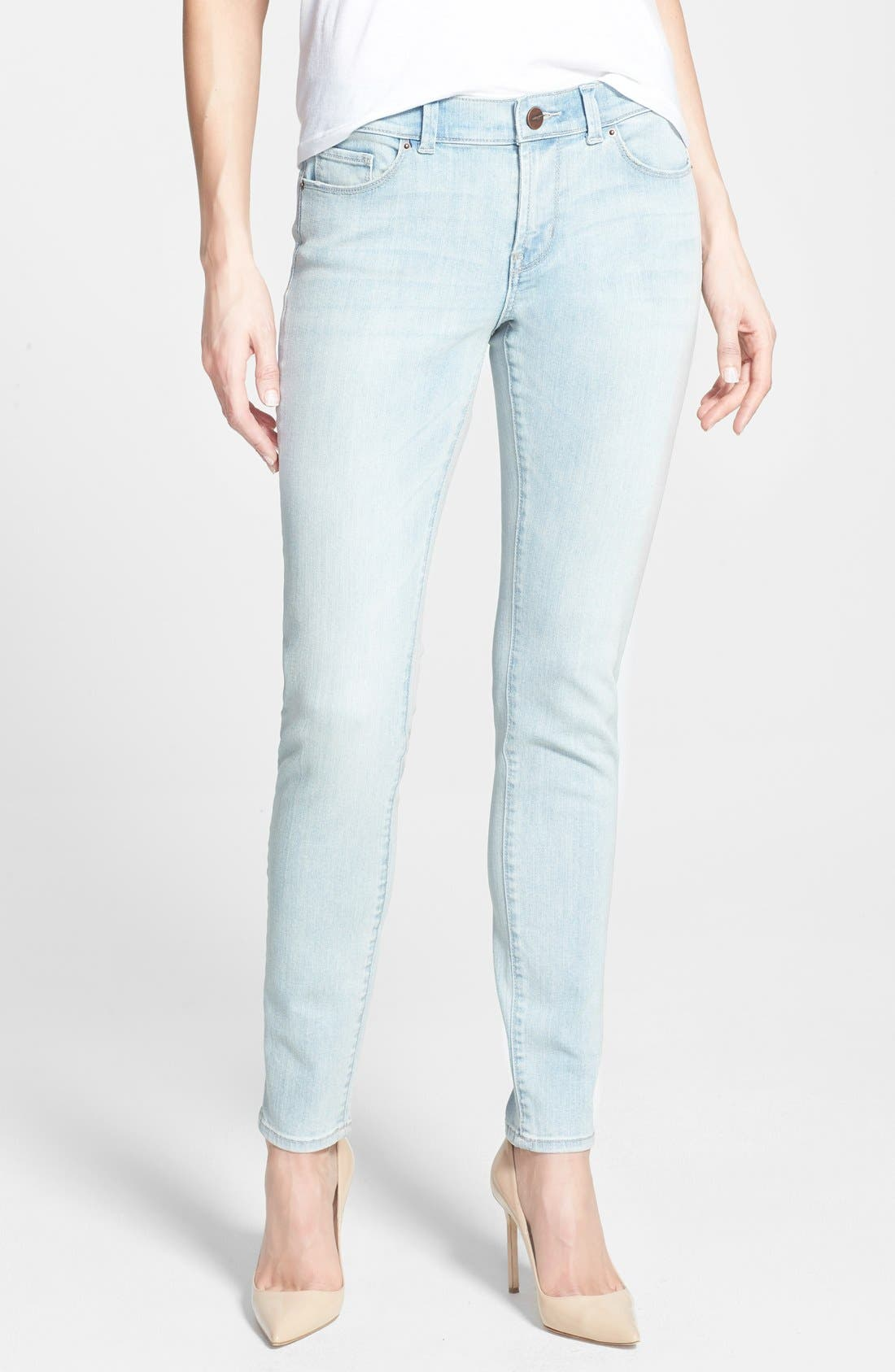 Main Image - Halogen® Plain Pocket Stretch Skinny Jeans (Bleach) (Regular and Petite)