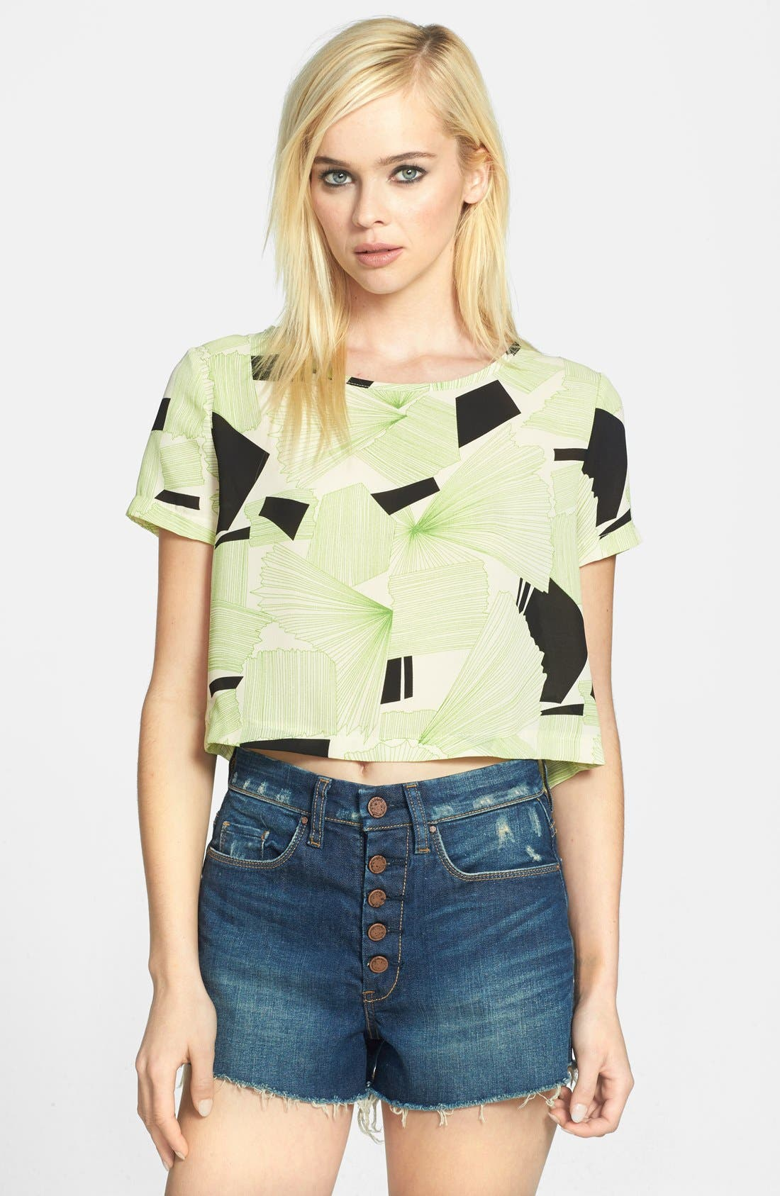 Alternate Image 1 Selected - ASTR Button Back Print Crop Tee