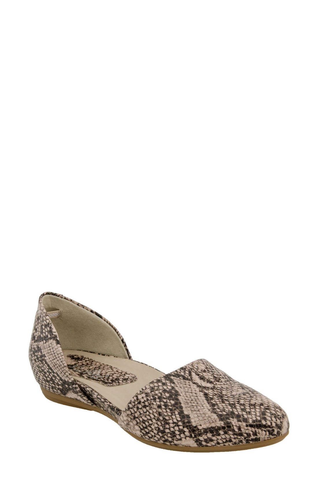 Earthies® Brie Flat (Women)