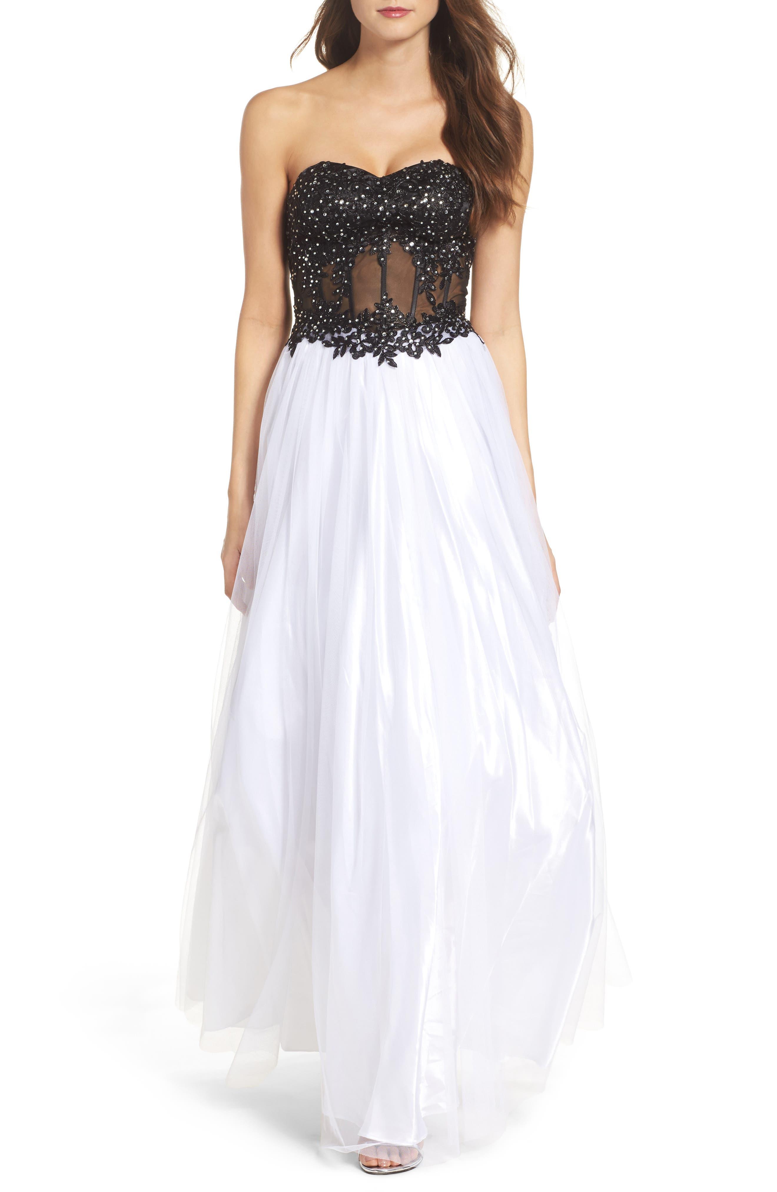 Main Image - Blondie Nites Strapless Bustier Gown