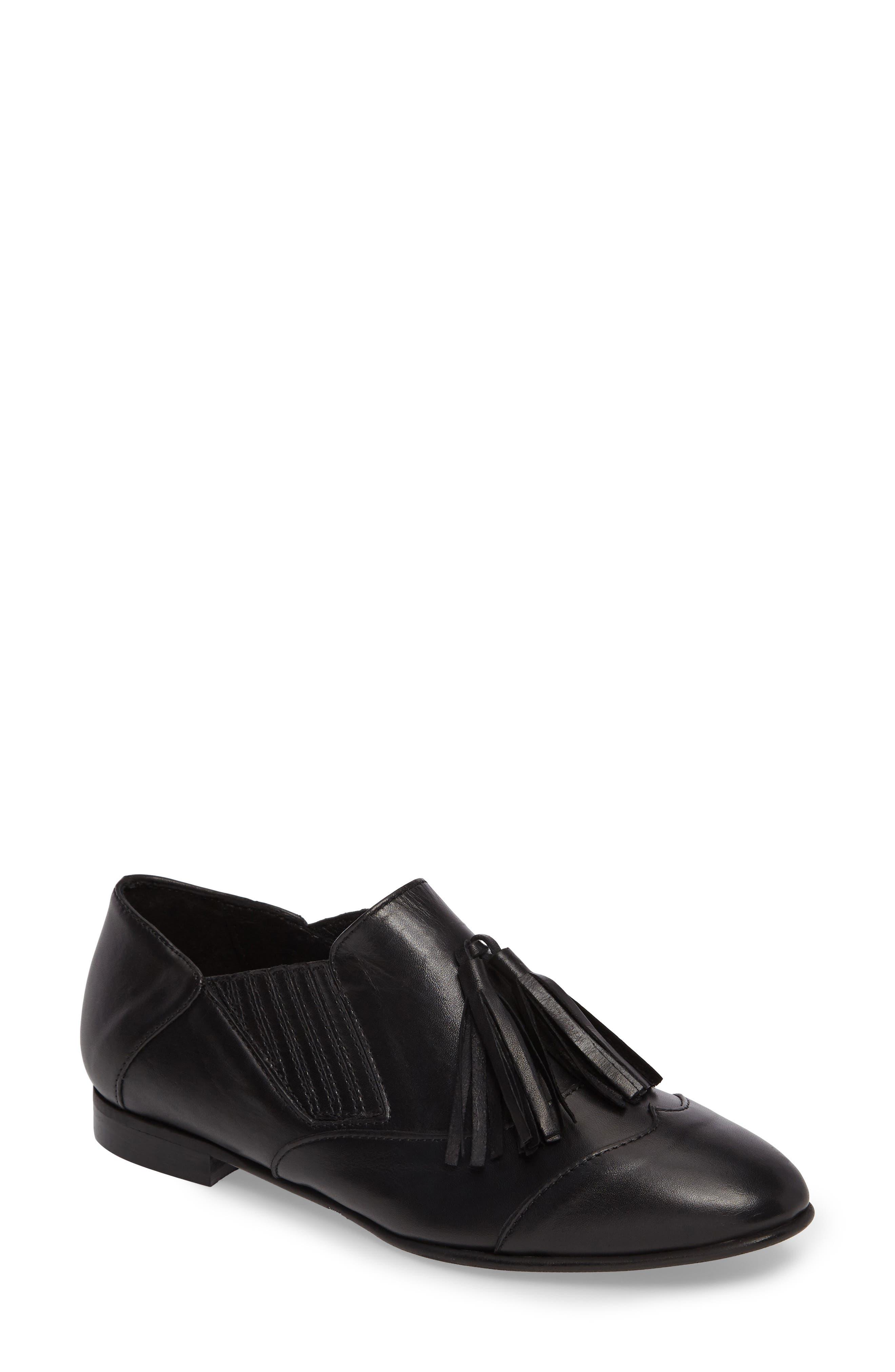 Charles David Oracle Tasseled Slip-On Flat (Women)