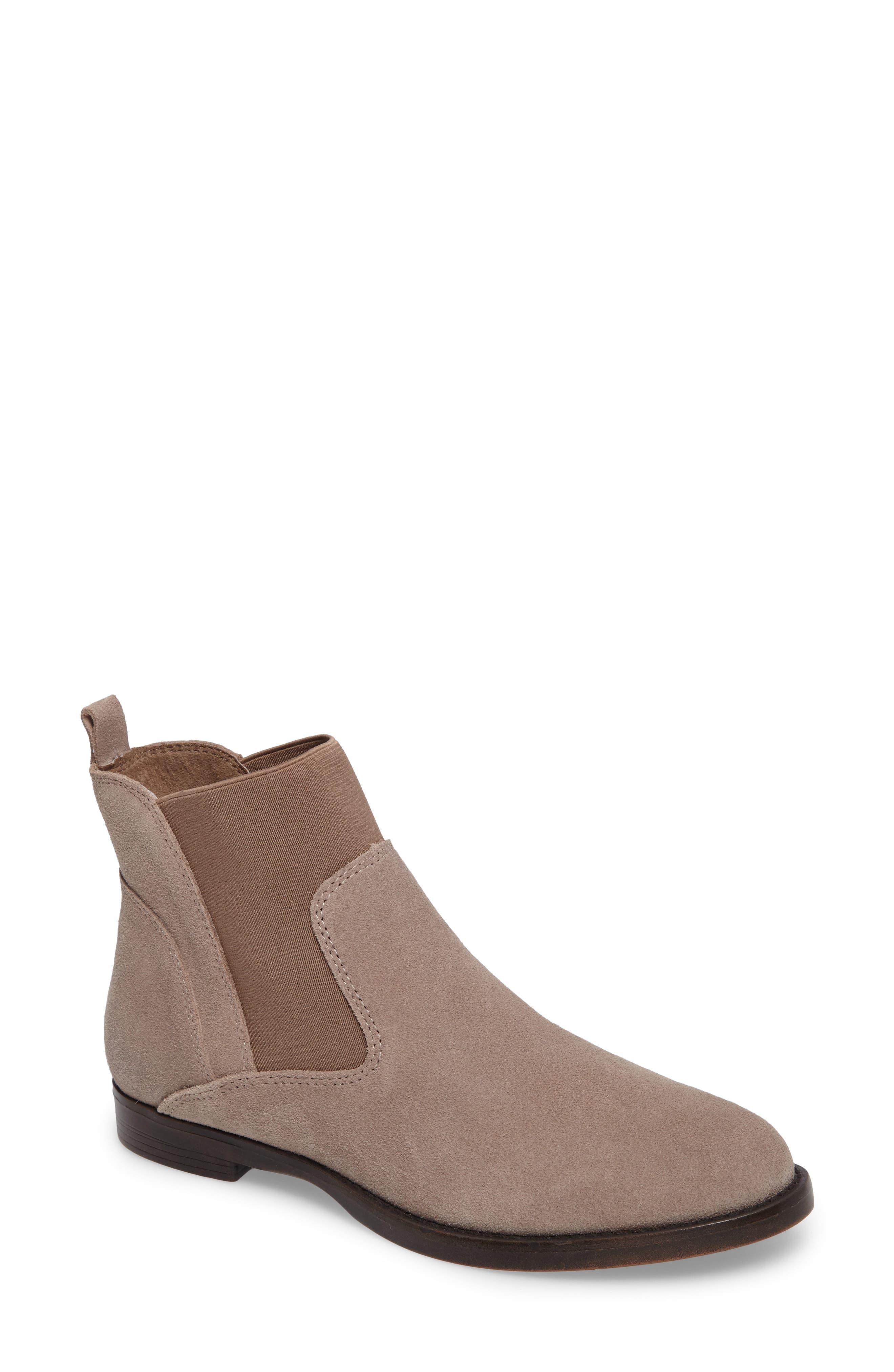 Bella Vita Rayna Chelsea Boot (Women)