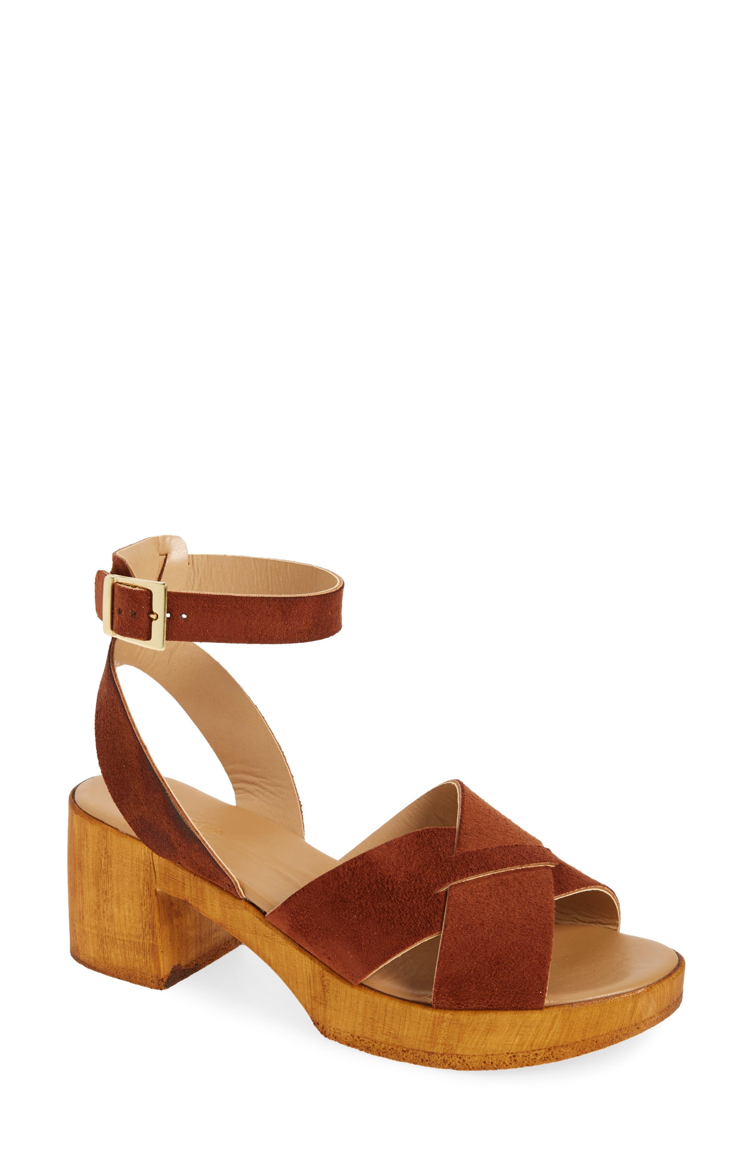 Alternate Image 1 Selected - Topshop Dolly Block Heel Sandal (Women)