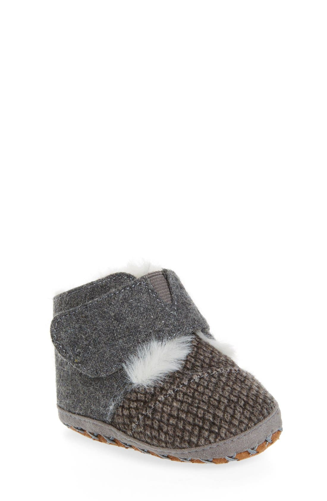 Alternate Image 1 Selected - TOMS Cuna Crib Shoe (Baby)