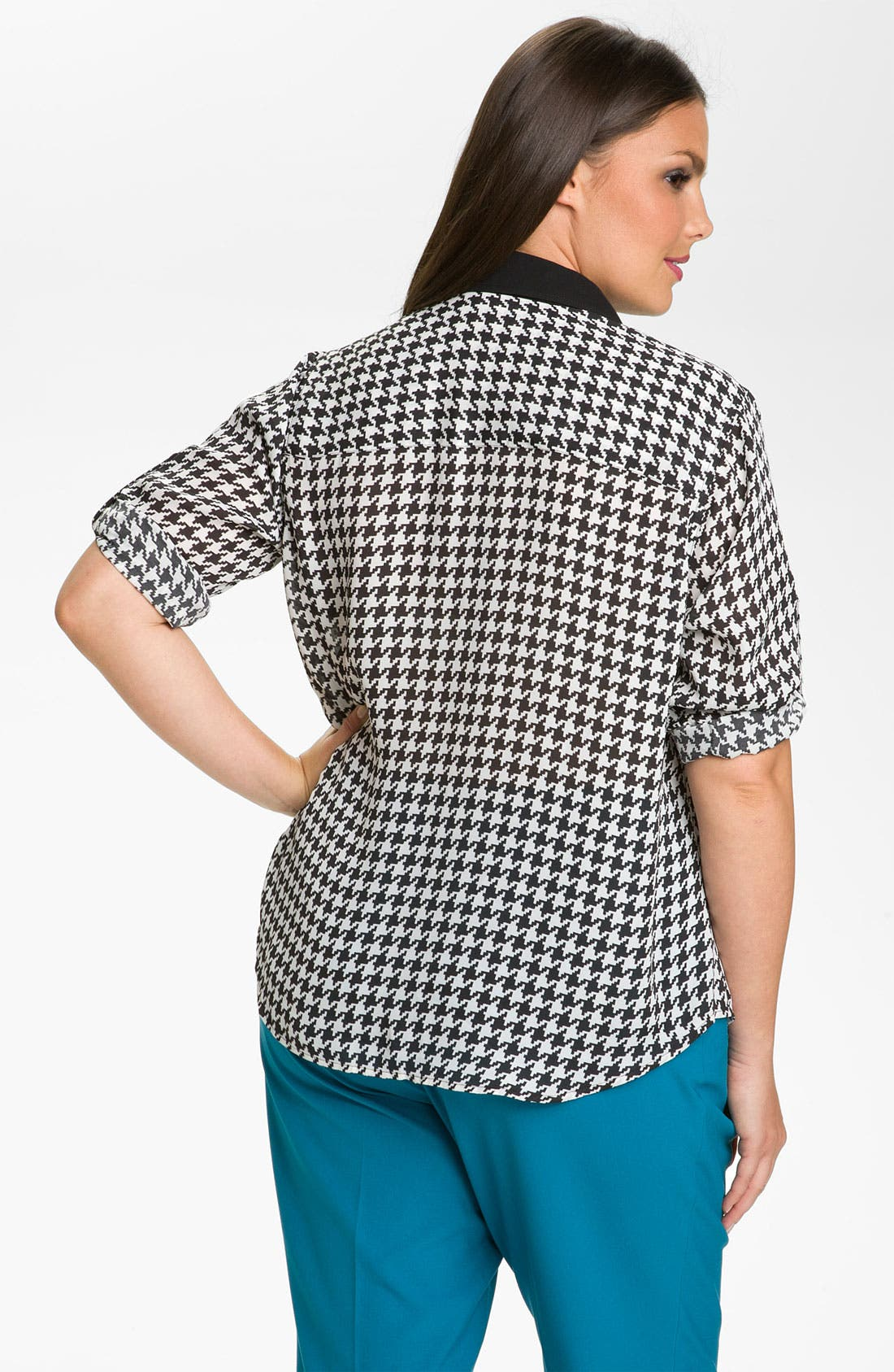 Alternate Image 2  - Vince Camuto Contrast Trim Houndstooth Blouse (Plus)